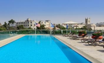 Grand Cort Hotel pool 05
